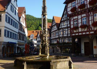 Marktbrunnen um 1500 vor dem Rathaus